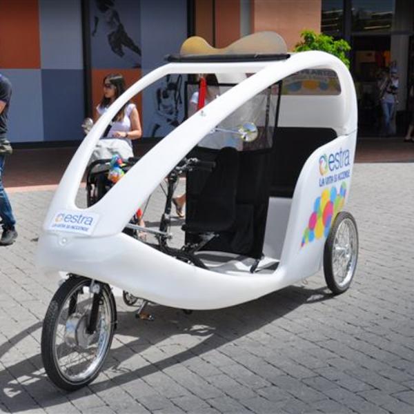 Estra Veloleo Rickshaw risciò