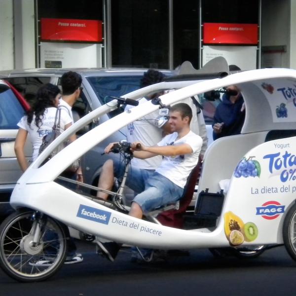 Fage Veloleo Rickshaw risciò