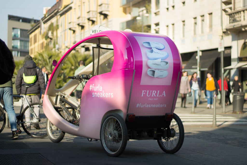 Furla Ri-Show rickshaw